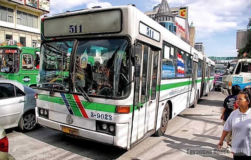 Сочленённые автобусы Mercedes-Benz O405, выпускавшиеся на заводе Thonburi Bus Body, в Бангкоке уступают по своему количеству азиатским маркам